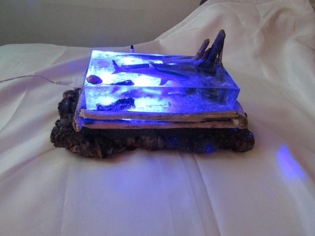 Как сделать фантастический светильник-аквариум с акулой и морским дном