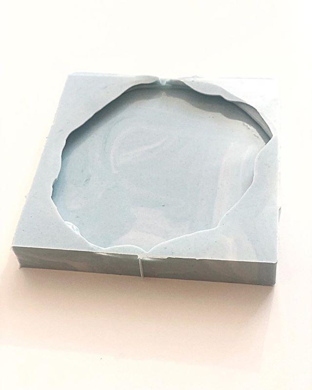Силиконовая форма для заливки смолой